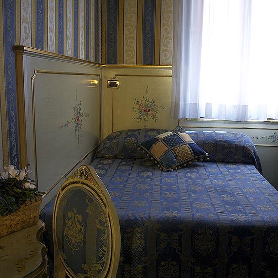 Corner Room Ca' Morosini Inn B&B in the Center of Venice