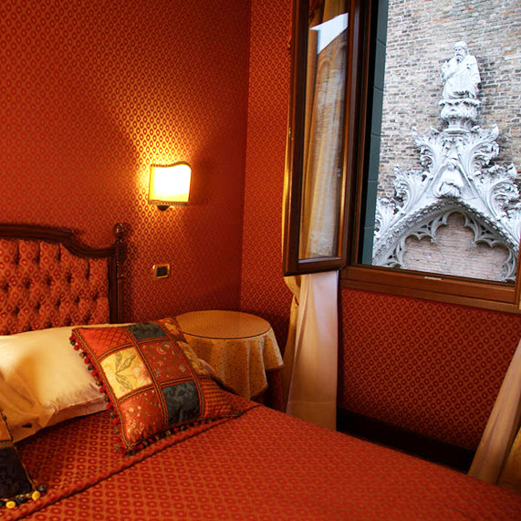 Grimani Room Ca' Morosini Inn B&B in the Center of Venice